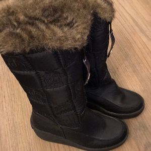 Juicy couture fur snow boots